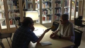 Catalunya Ràdio intervista Manel Hernández nella biblioteca funeraria