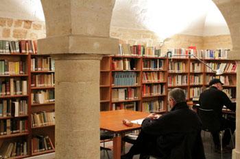 Biblioteca Italo Calvino: dove si affina il sapere all'Istituto Italiano di Cultura di Parigi