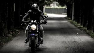 La poetica bellezza del viaggio in moto