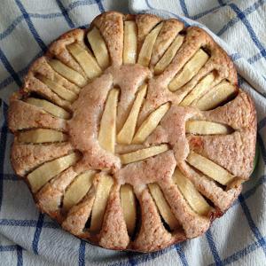 Peppa Pig di Francesco Mangiapane e la torta glassata di mele